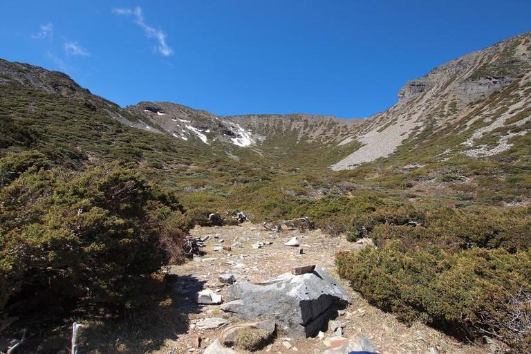 The path to Snow Mountain