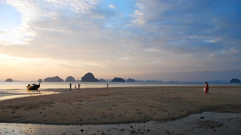 Tub Kaek Beach
