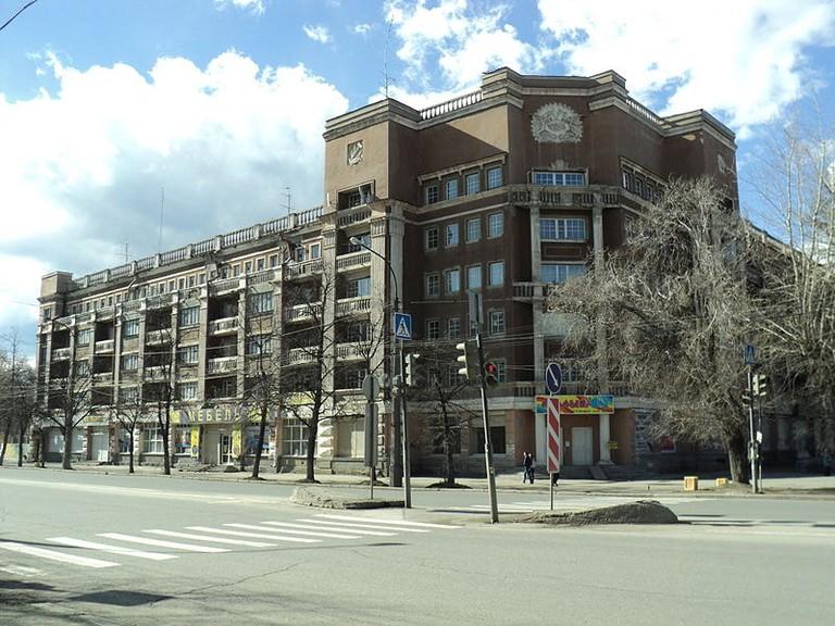 800px-thumbnail madrid Hotel Yekaterinburg Constructivist