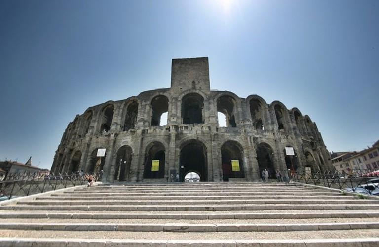 Arles_amphitheater-650x423