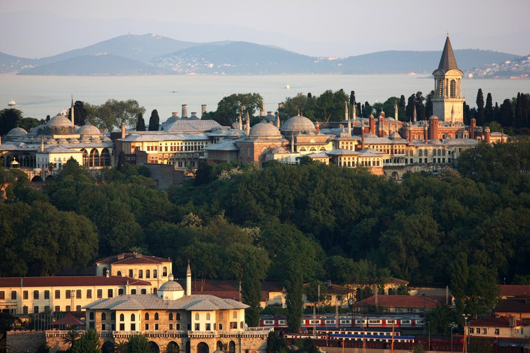 The Topkapı Palace was constructed in 1453 by Mehmed the Conqueror