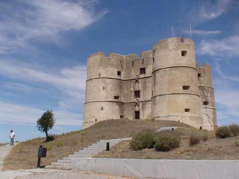 Castle of Evoramonte © Júlio Reis/WikiCommons