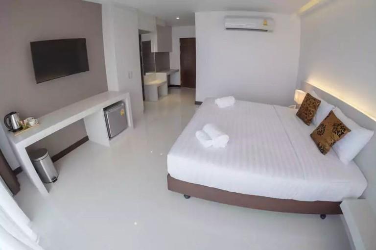 Chaisaeng Villa