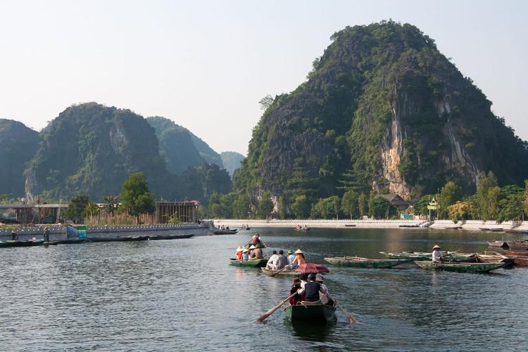 Perfume Pagoda river