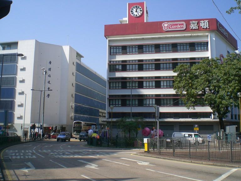 hk_castle_peak_road_garden_bakery_pooi_to_middle_school
