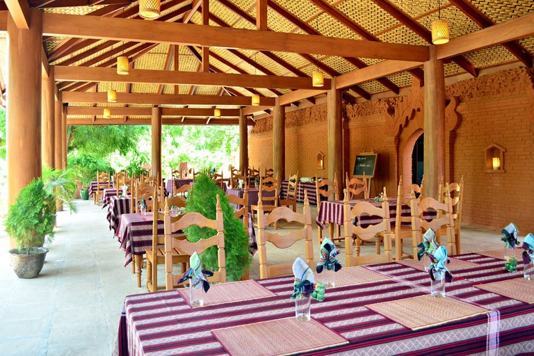 Inside-7-Sisters-Restaurant-Bagan-Myanmar