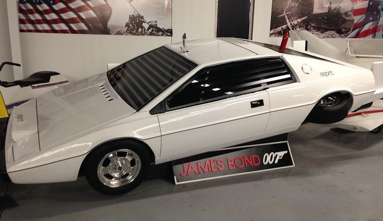 James_Bond_Submarine_Car_from__The_Spy_Who_Loved_Me_