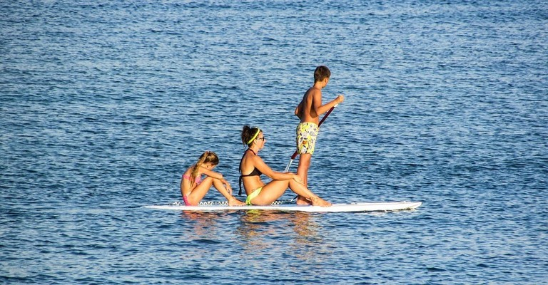 paddleboard-family-excersice-watersport