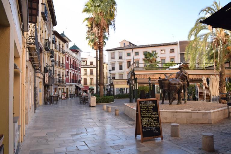 Plaza_la_Romanilla_in_Granada