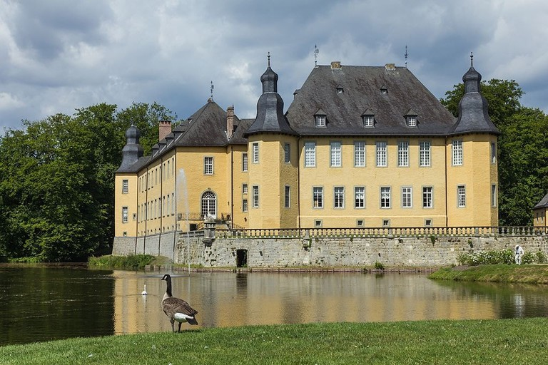 Schloss_Dyck Monica Wisesa-Finger WikiCommons