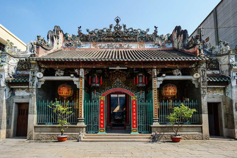 Thien Hau Temple's ornate facade | © Tran Ngoc Dung/Shutterstock