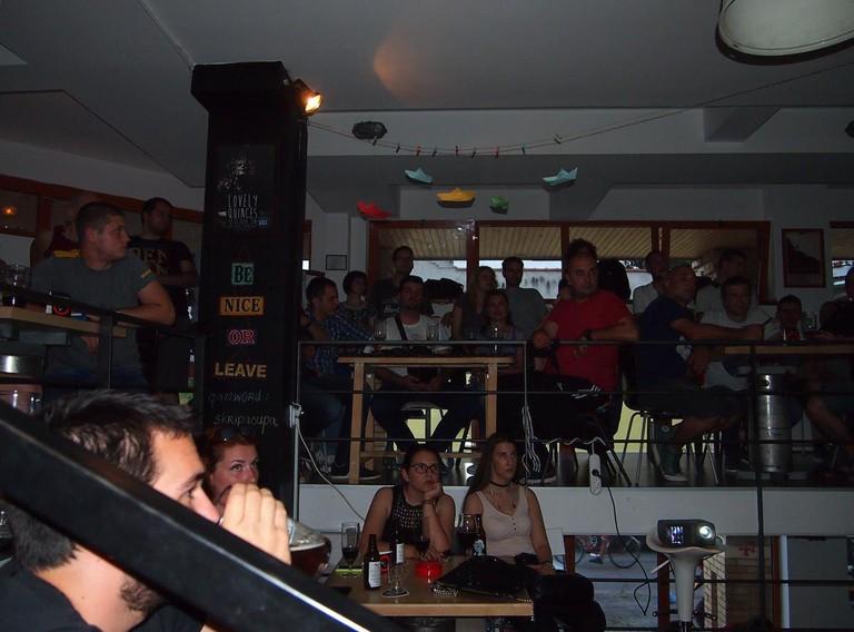 A captivated audience at Škripa Pub