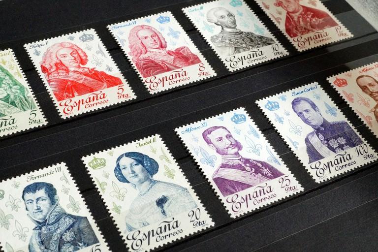 Buy stamps at the market in Zaragoza