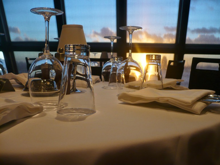 table-view-restaurant-travel-meal-vehicle-962348-pxhere.com (1)