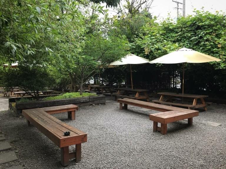 vendetta-patio