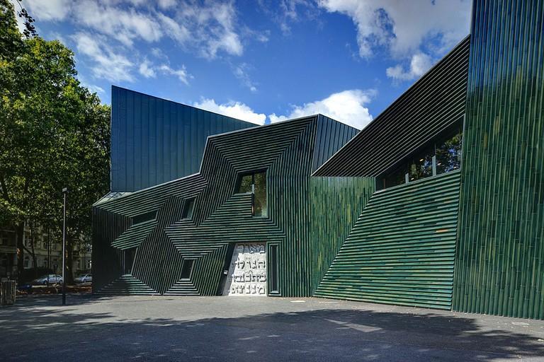 1024px-Synagogue_Mainz_Exterior2