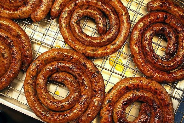 1024px-Thanin_market_chiang_mai_sausage