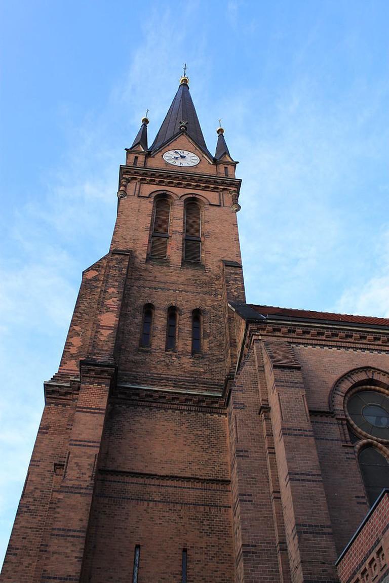 682px-Lutherkirche_Leipzig_Turm_2