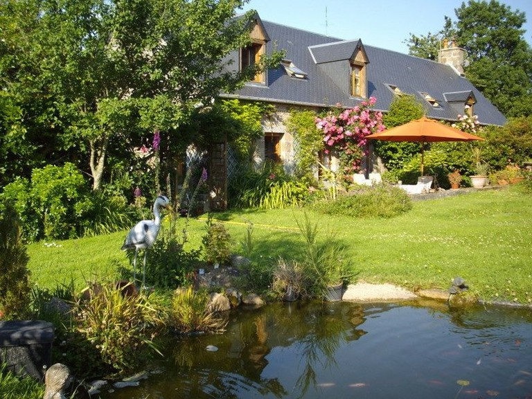 gardens and pond les sabots normandy B&b