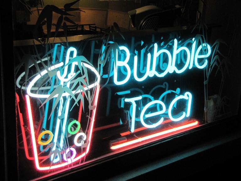 bubble-tea-neon-sign