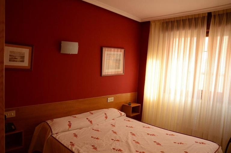 Hotel Fuente la Plata, Oviedo