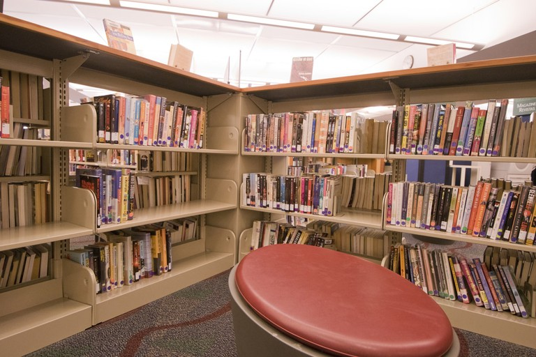 The J. Erik Jonsson Library has plenty of nooks for reading