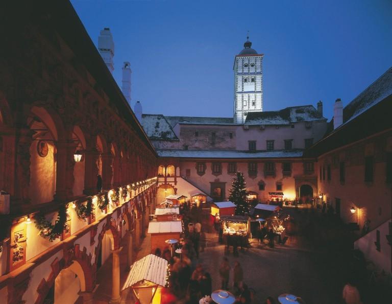 LOWRES_00000027243_Weihnachtsmarkt-in-der-Schallaburg-bei-Melk_Oesterreich-Werbung_G-Popp - Edited