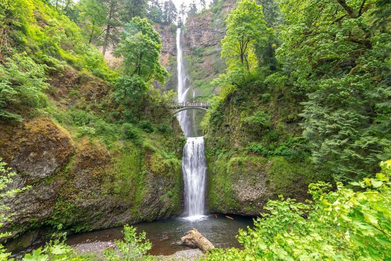 multnomah-falls-columbia-gorge-featured-image