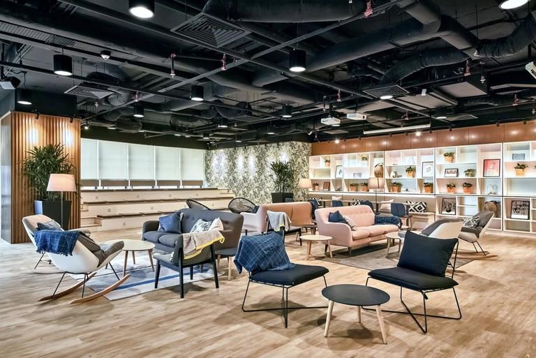 Lounge area of Komune