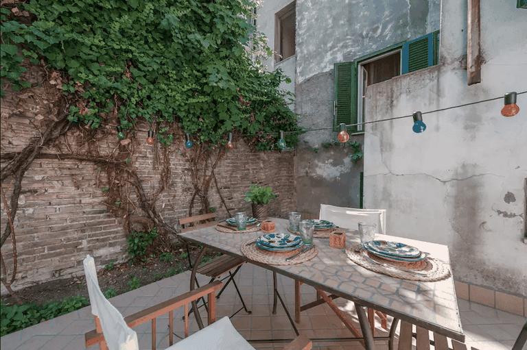 The garden of this Pigneto Airbnb
