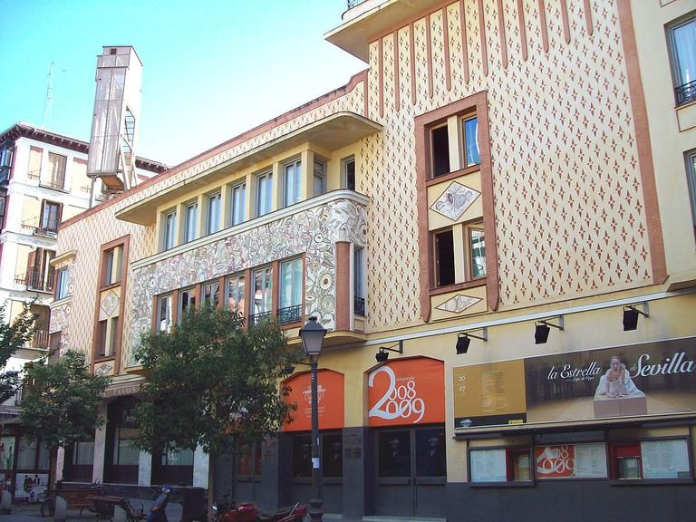1200px-Teatro_Pavón_(Madrid)_01