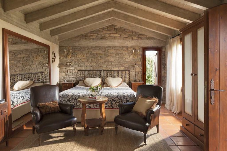 Cozy bedrooms for adults only Courtesy of Hotel Barosse
