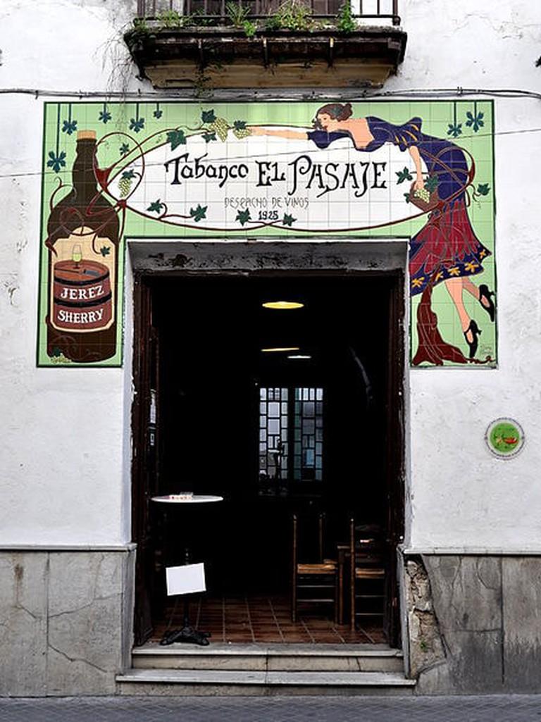 449px-Tabanco_tradicional_Jerez_de_la_frontera