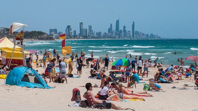 Burleigh Beach on the Gold Coast © Kerrie Brailsford / Wikimedia Commons