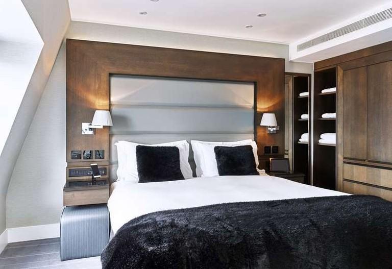 Eccleston Square Hotel is close to Victoria station
