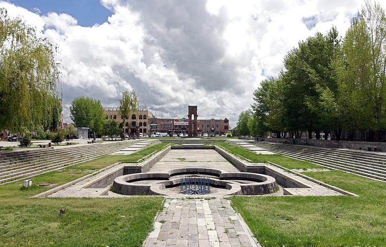 Gyumri_-_fountain