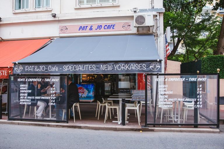 JCTP0068-Pat & Jo cafe-Cannes-France-Fenn-167