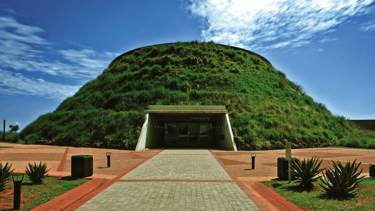 Joburg guided tours_Cradle of Humankind-min