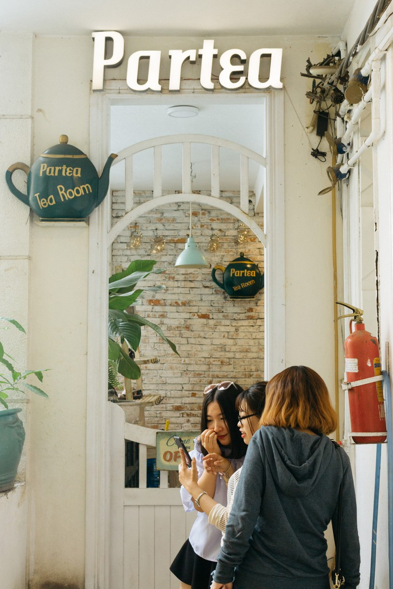 COFFEE SHOP APARTMENT-DISTRICT 1-SAIGON-VIETNAM