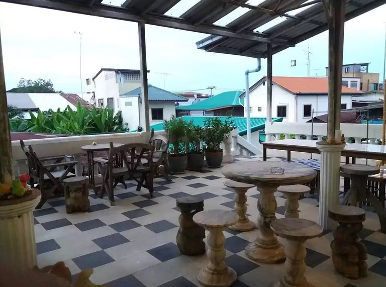 Terrace at Boonsiri Guesthouse