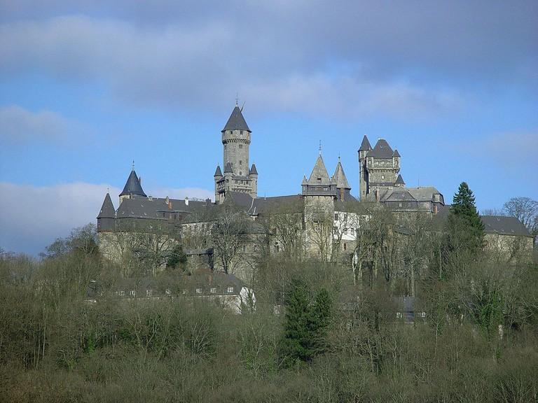 1200px-Braunfels_Schloss