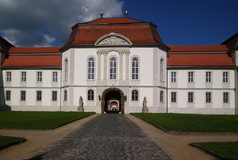 1280px-Landkreis_Fulda_Schloss_Fasanerie_Eichenzell_Juni_2012