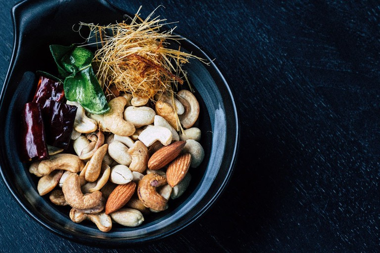 mix cashews and almonds
