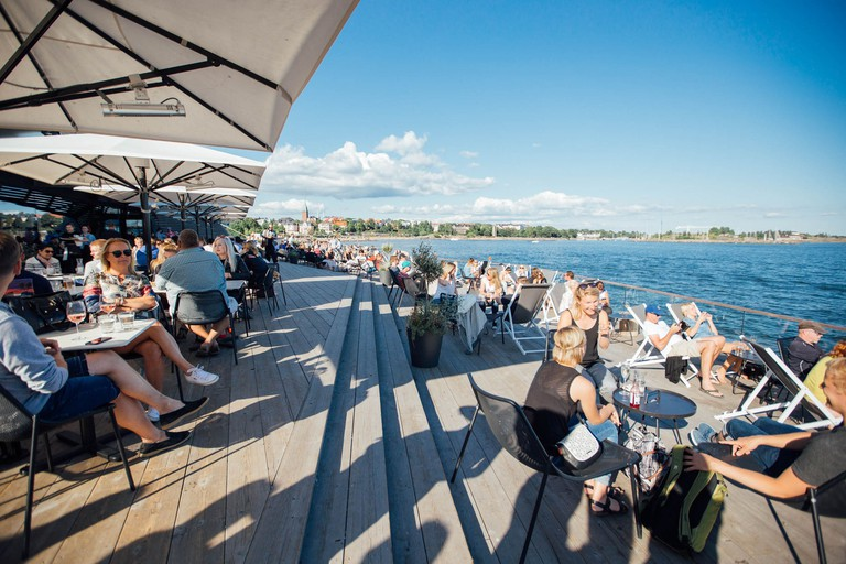 Finland_Helsinki_restaurant_Löyly_people_web_by_JuliaKivela__MG_3931