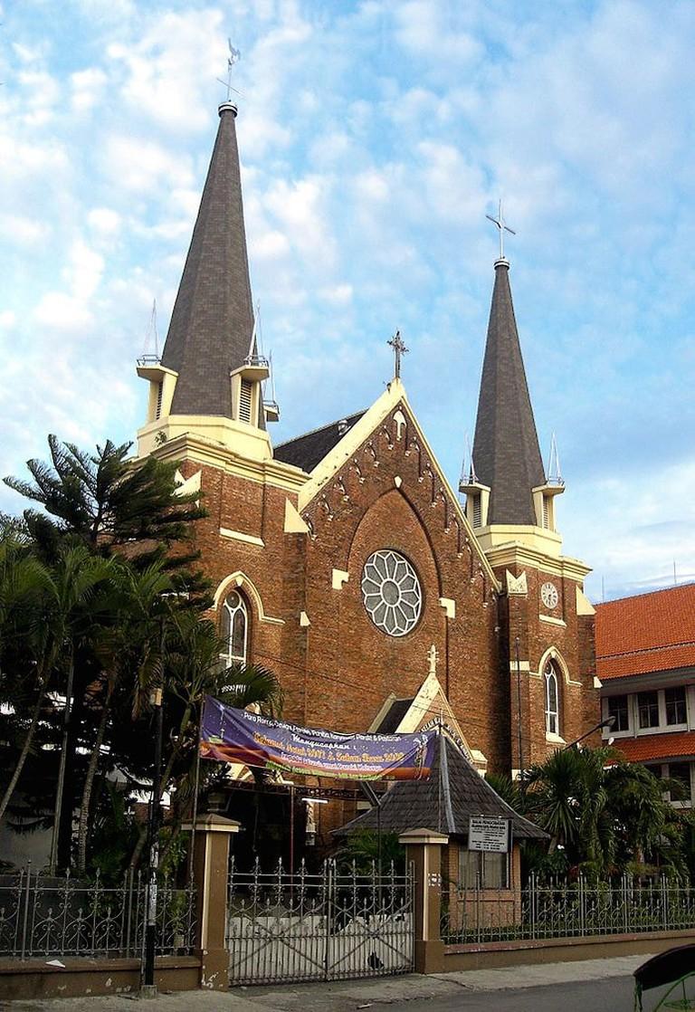 Gereja_Katolik_Kelahiran_Santa_Perawan_Maria,_Surabaya