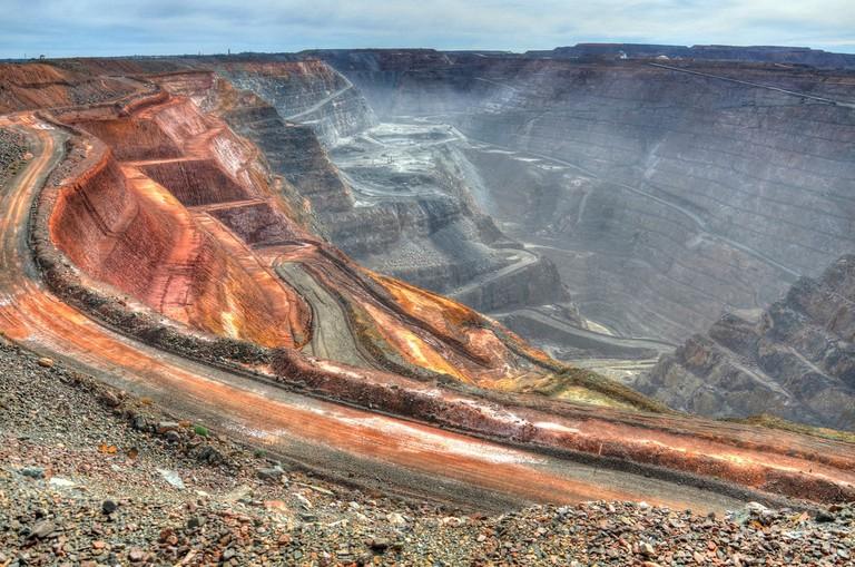 Kalgoorlie Super Pit © Chris Fithall / Flickr