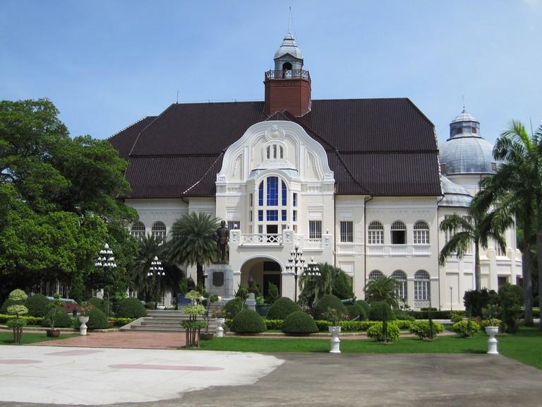 Ban Puen Palace