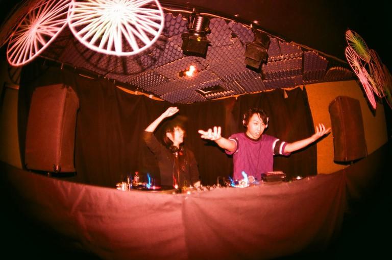 club_djs_osaka_japan