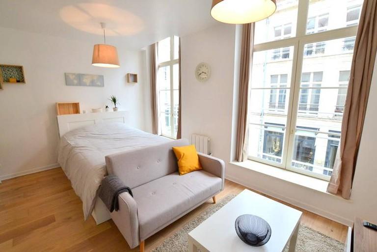 Luminous modern apartment