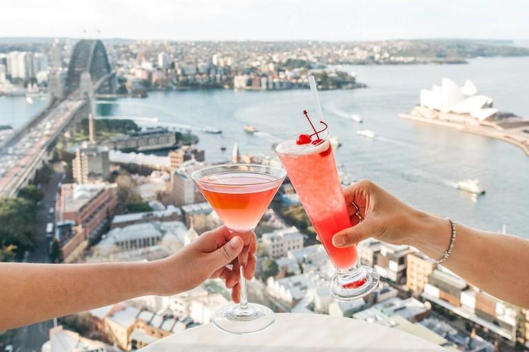 Cocktails at Blu Bar on 36 © Shangri-La Hotel, Sydney